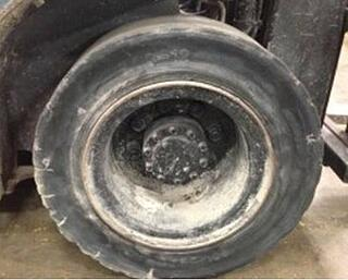 forklift-tire-with-flat-spot