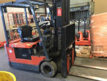 Toyota 3,000 lb 5FBE15 3-Wheel Electric Sit Down Forklift