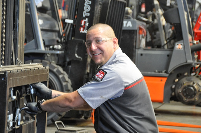 Finding the Best Forklift Technician